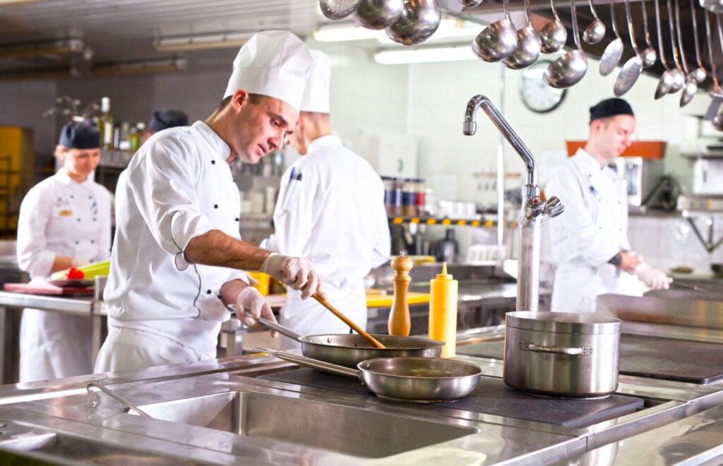 Какво трябва да знаете преди да оборудвате професионалната кухня